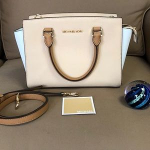 Micheal Kors Colorblock Handbag